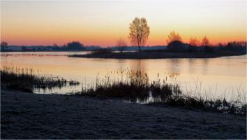 Рассвет на водохранилище